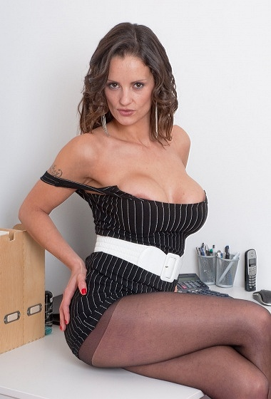 Valentina Cruz - Pantyhose business!
